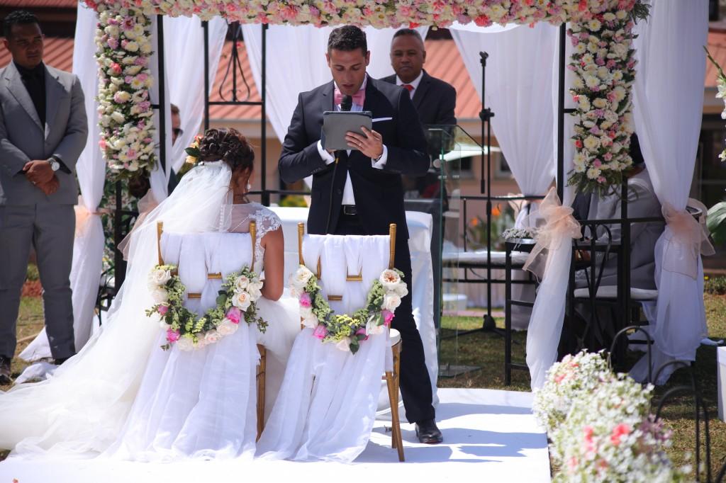 cérémonie mariage champêtre colonnades photosary emilio elviane (8)