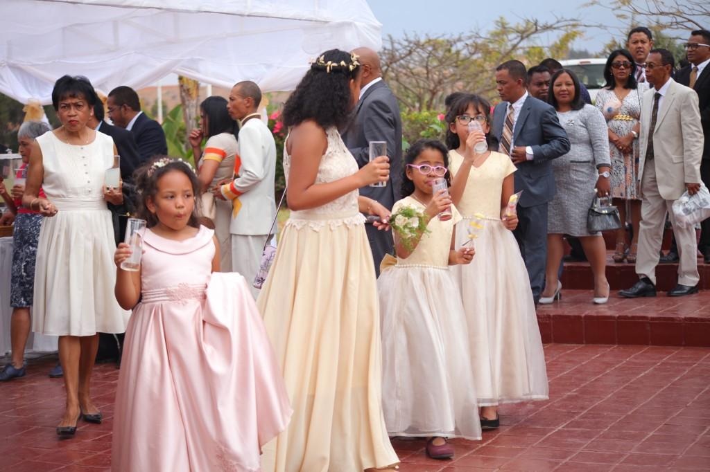 verre de bienvenue mariage espace colonnades Ny hasina Ronnie (11)
