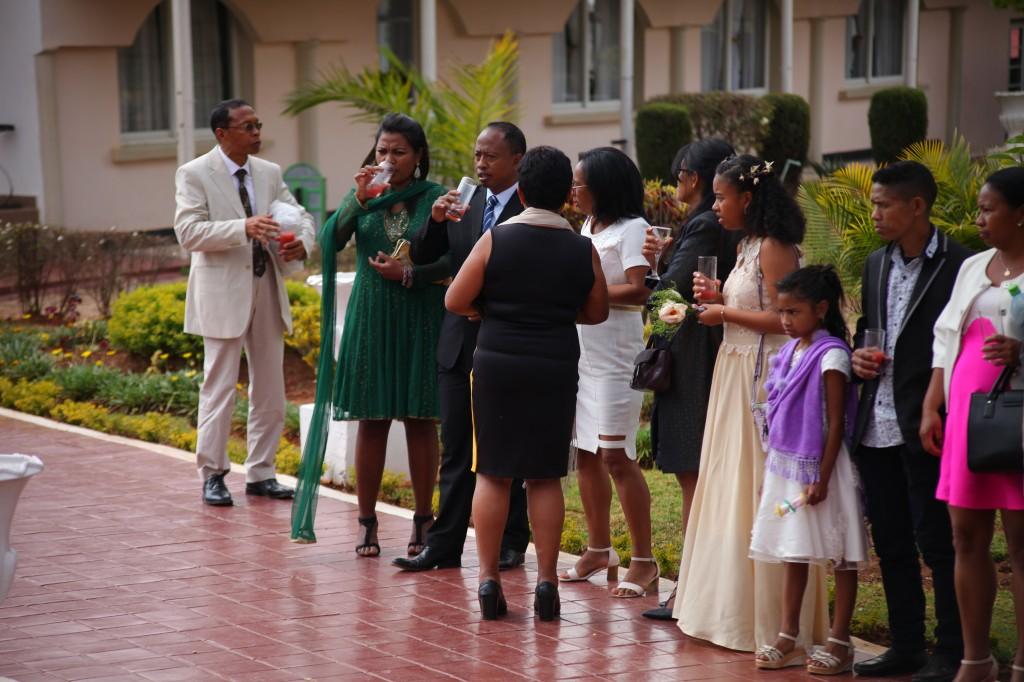 verre de bienvenue mariage espace colonnades Ny hasina Ronnie (14)