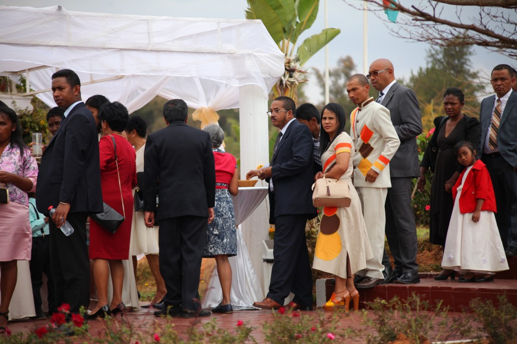 verre de bienvenue mariage espace colonnades Ny hasina Ronnie (8)