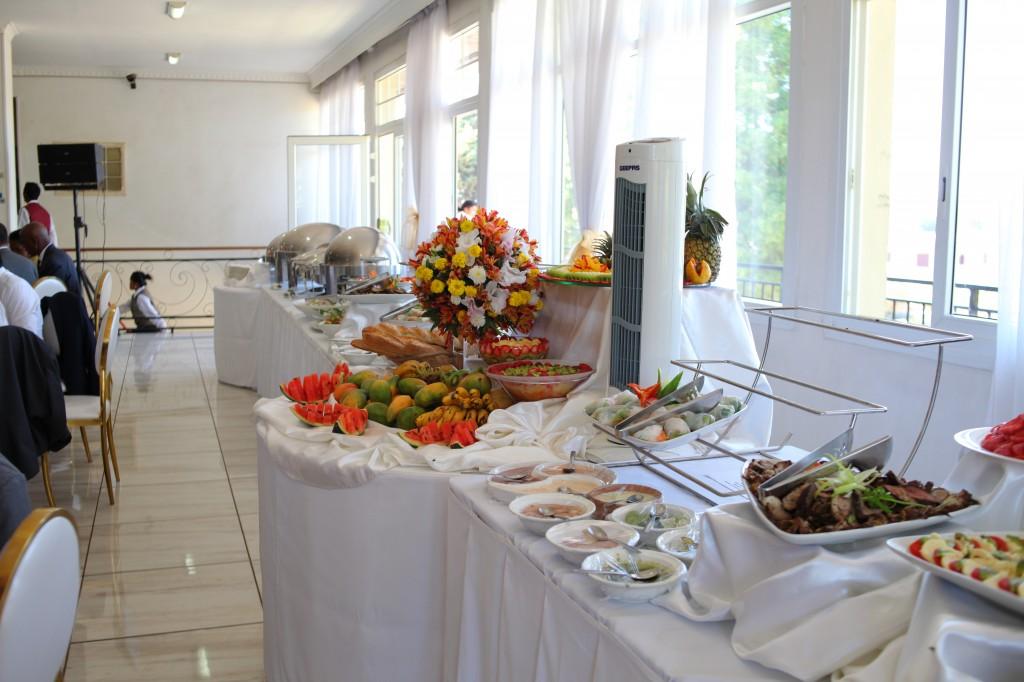 Buffet mariage salle de reception colonnades Laza&Hasina (2)