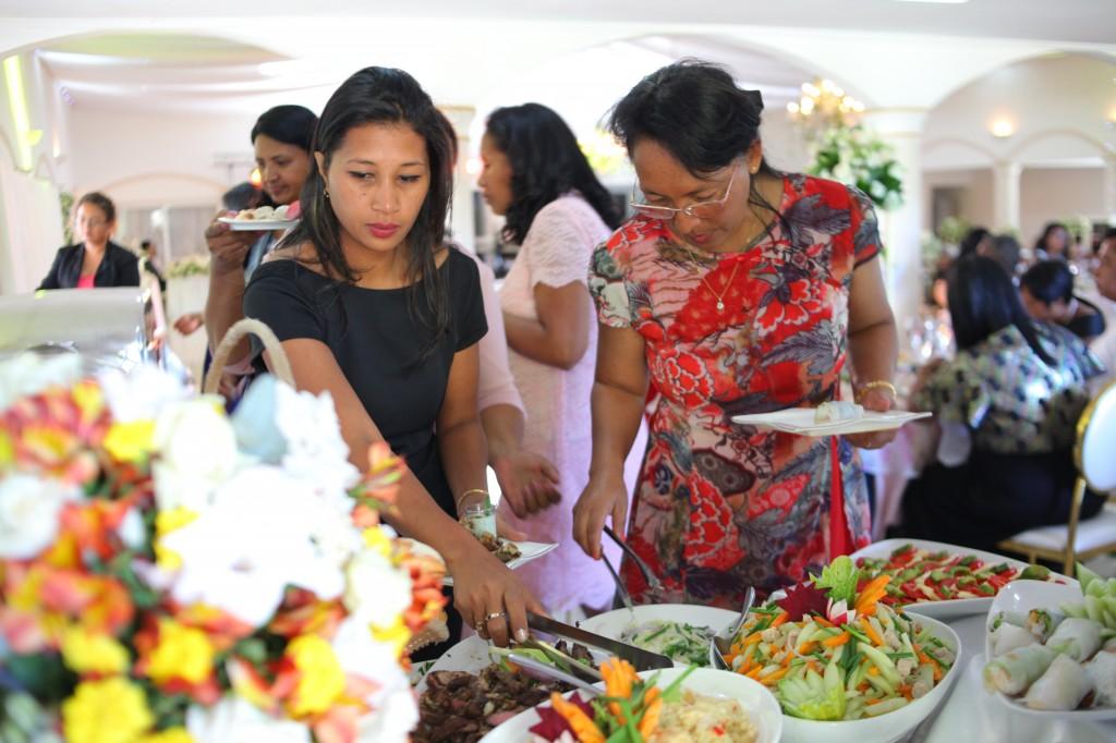 Buffet mariage salle de reception colonnades Laza&Hasina (8)