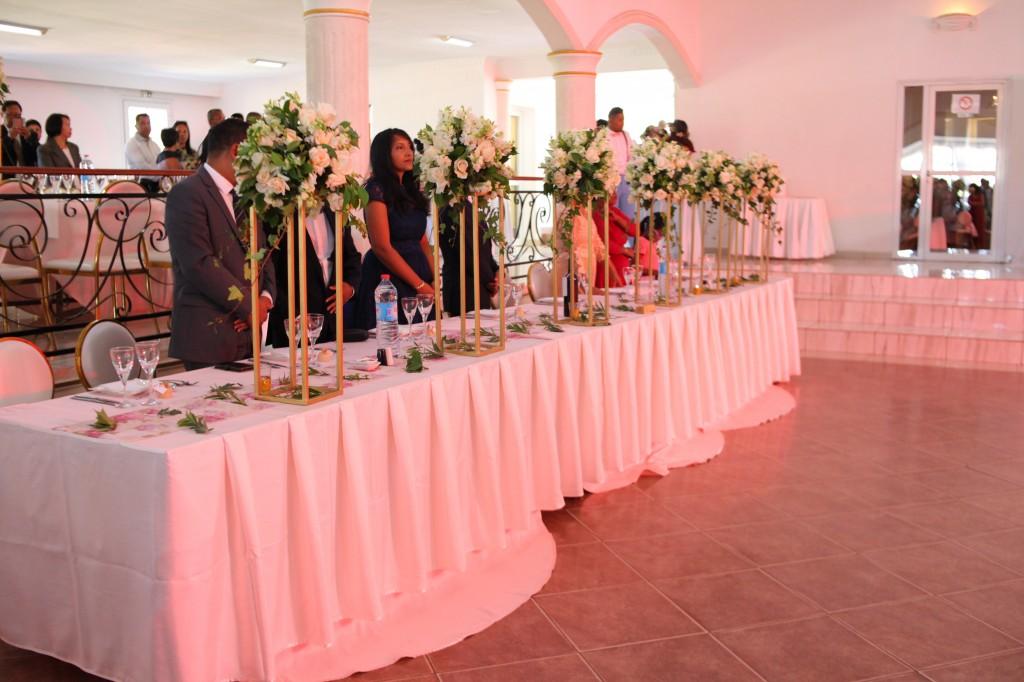Entrée salle de réception espace colonnades Laza&Hasina (1)