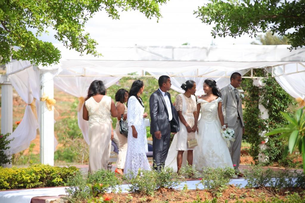 Accueil-invités-Décoration-salle-réception-mariage-Laza-Volana (3)