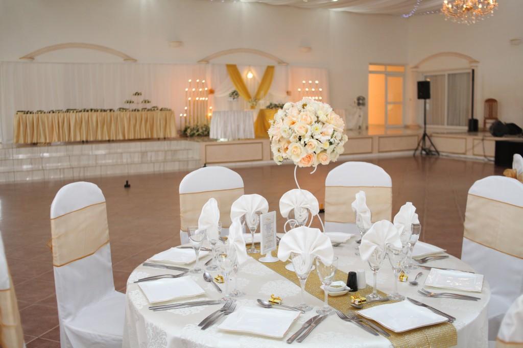Décoration-salle-réception-mariage-Laza-Volana (7)
