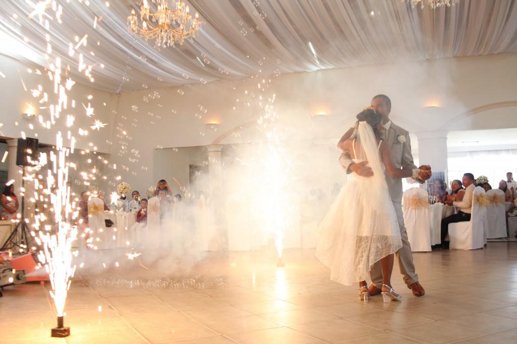 Danse-ouverture-salle-réception-mariage-Laza-Volana (3)