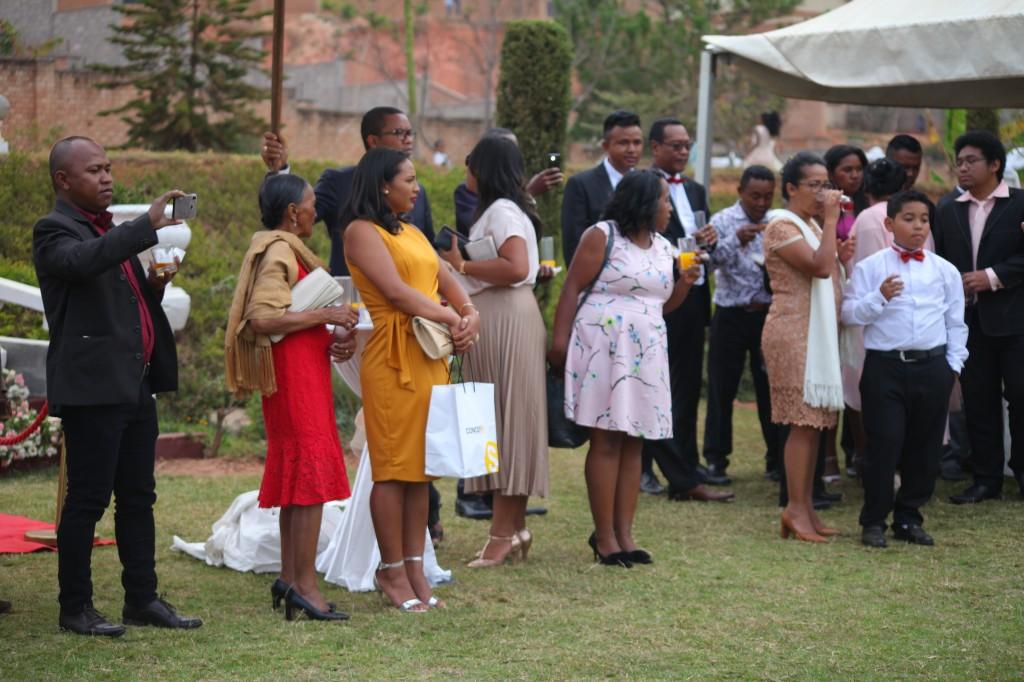 cocktail jardin colonnades mariage antonio sitraka
