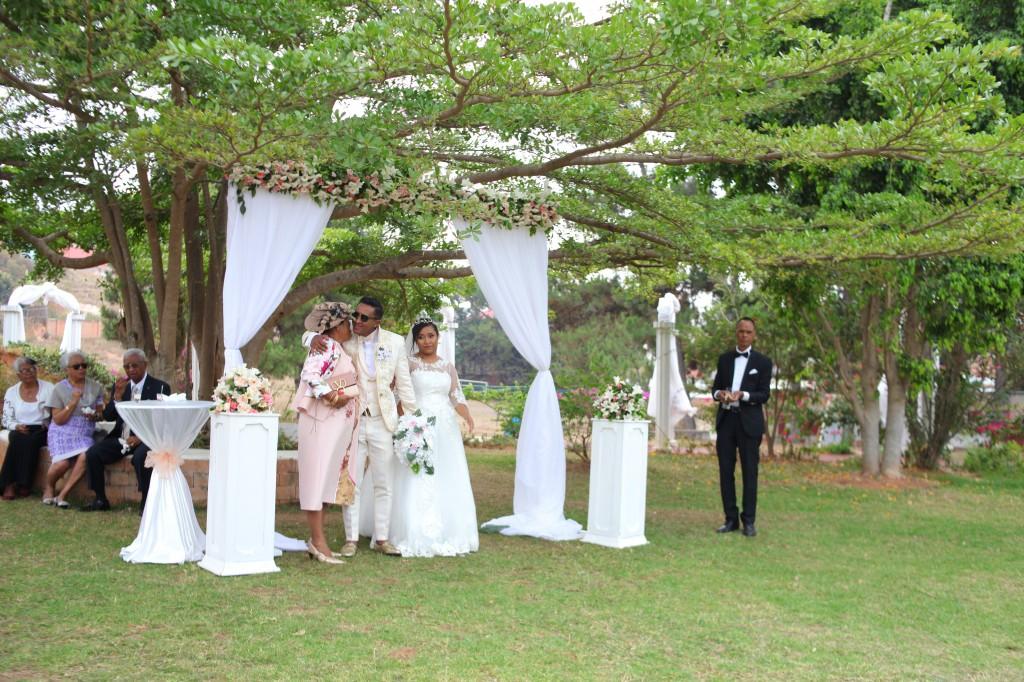 cocktail jardin colonnades mariage antonio sitraka (14)