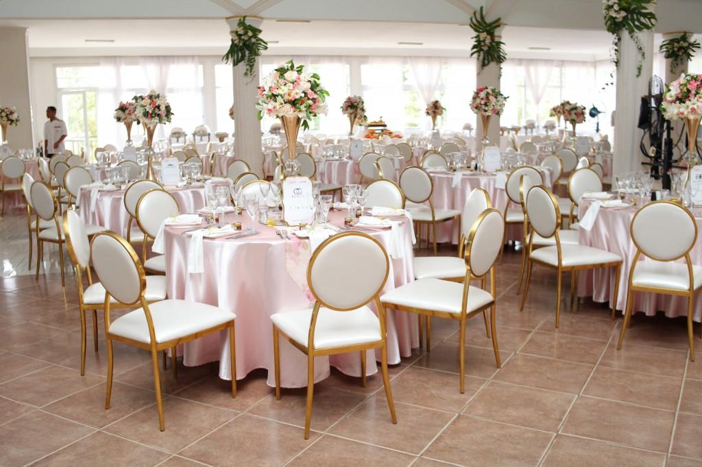 déco salle de reception colonnades mariage antonio sitraka (1)