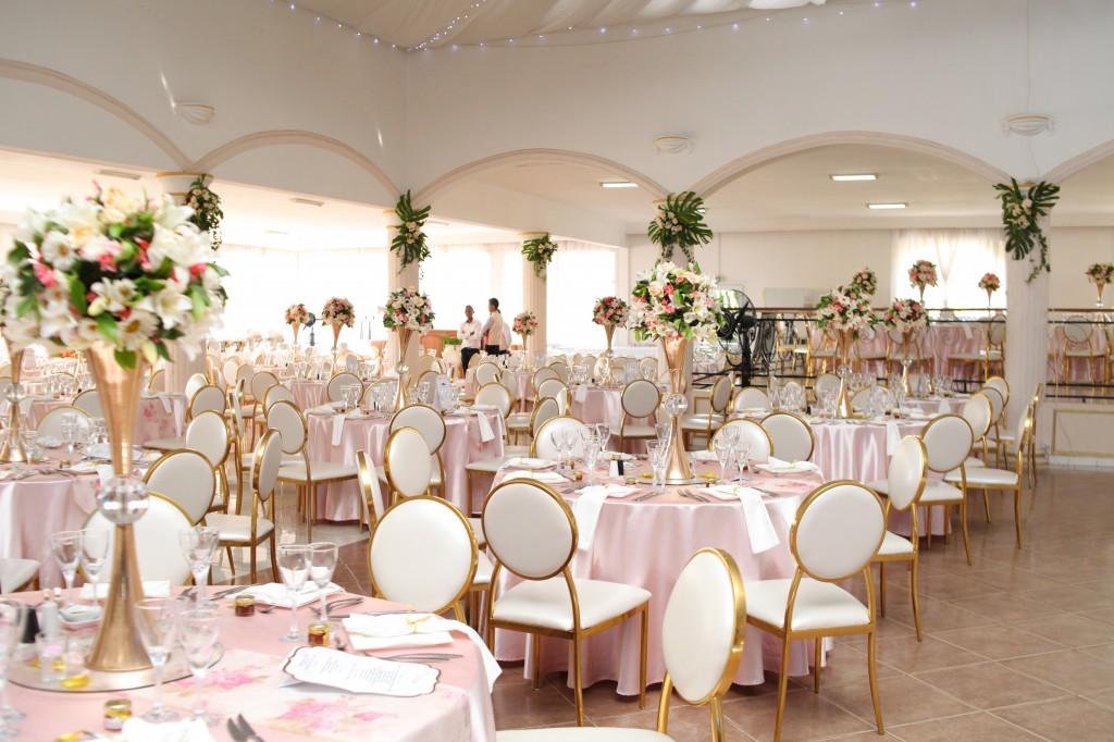 déco salle de reception colonnades mariage antonio sitraka (4)