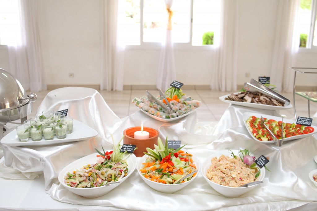 grand-buffet-salle-réception-mariage-Laza-Volana (1)