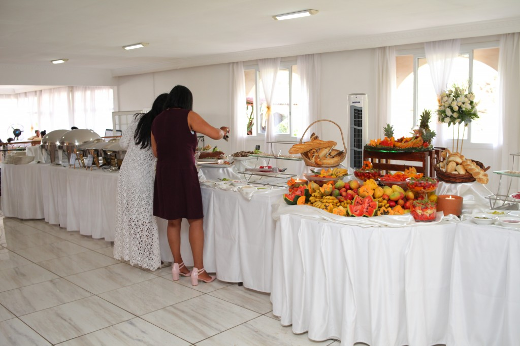 grand-buffet-salle-réception-mariage-Laza-Volana (2)
