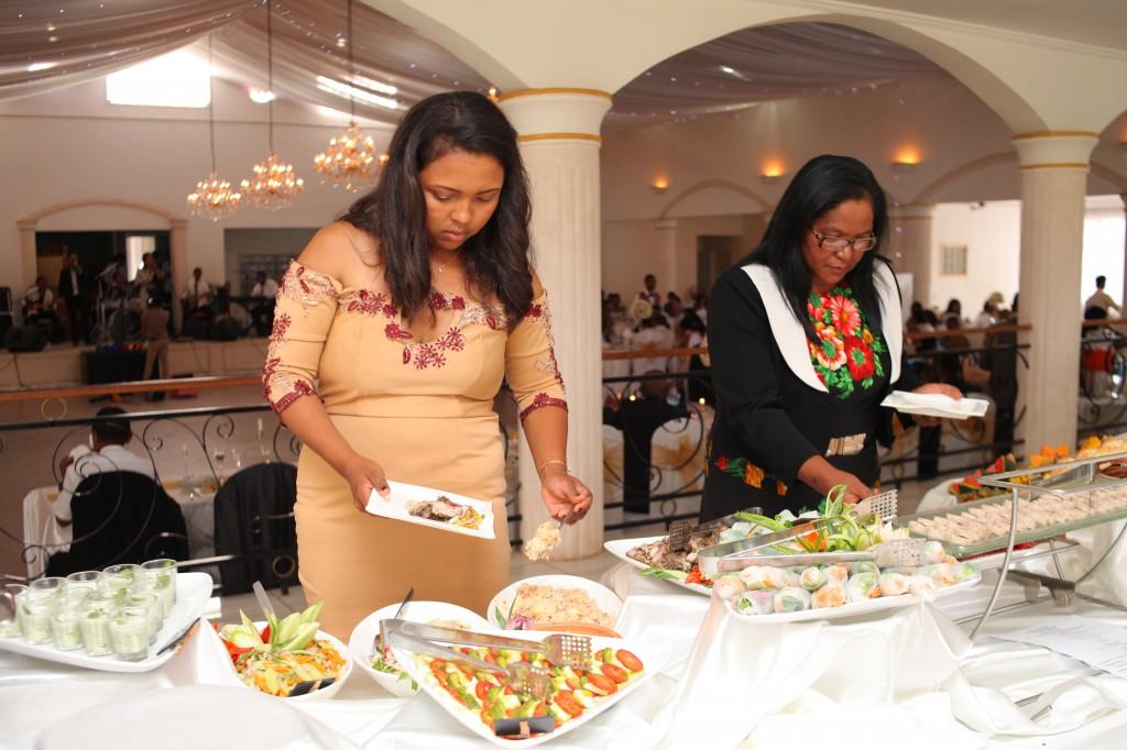 grand-buffet-salle-réception-mariage-Laza-Volana (4)