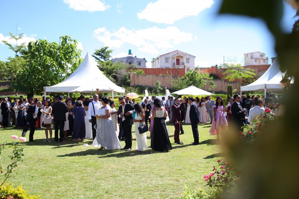 jardin cocktail de bienvenue mariage Colonnades Mamitiana & Tatiana