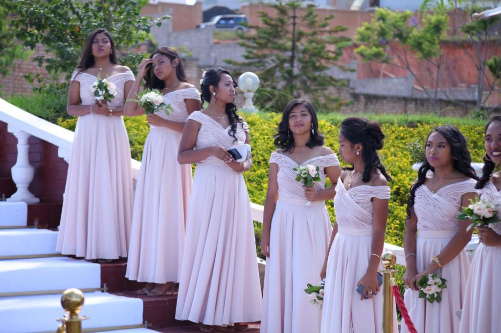 parcours tapis blanc mariage Colonnades Mamitiana & Tatiana (1)