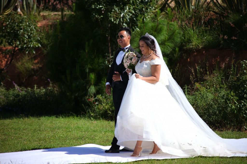 parcours tapis blanc mariage Colonnades Mamitiana & Tatiana (5)