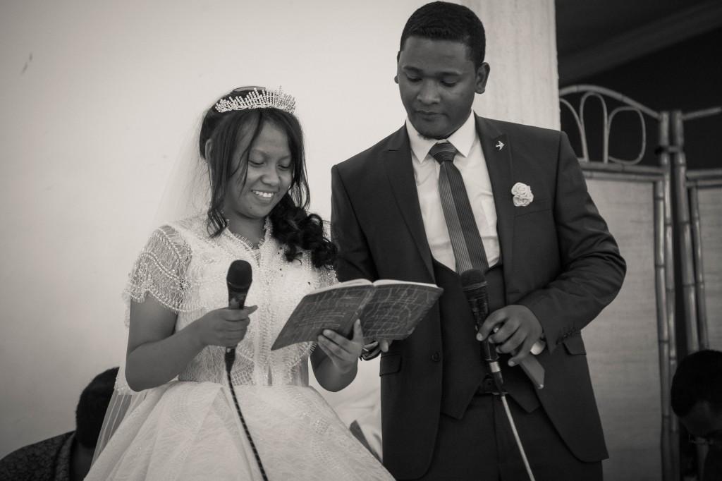 Ambiance-salle-buffet-mariage-espace-Colonnades-Antananarivo-Niavo & Fepy
