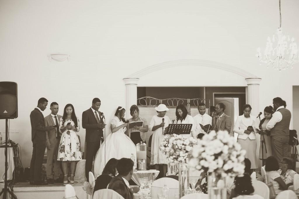 Ambiance-salle-buffet-mariage-espace-Colonnades-Antananarivo-Niavo & Fepy (3)