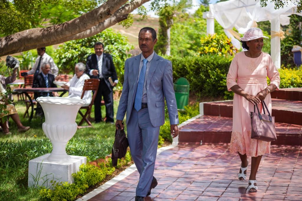 Arrivée-mariés-invités-mariage-espace-Colonnades-Antananarivo-Niavo & Fepy (6)