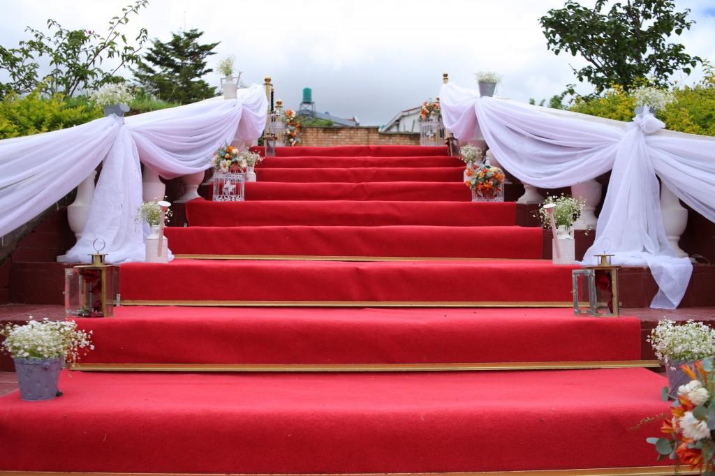 Mariage-espace-colonnades-Miarana-Mitantsoa-décoration-jardin (3)