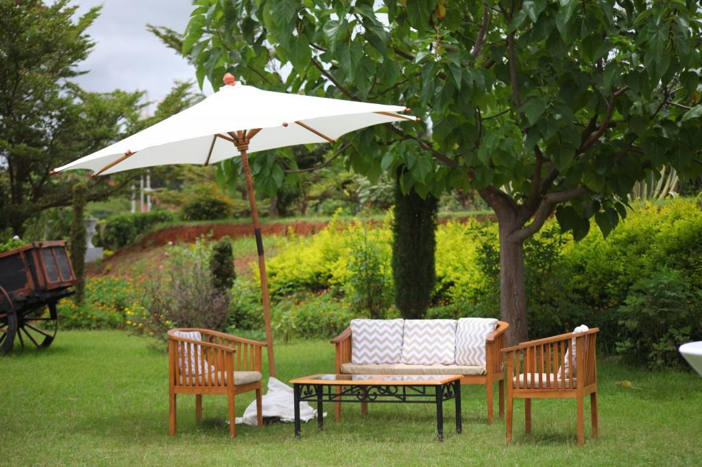 Mariage-espace-colonnades-Miarana-Mitantsoa-décoration-jardin (8)