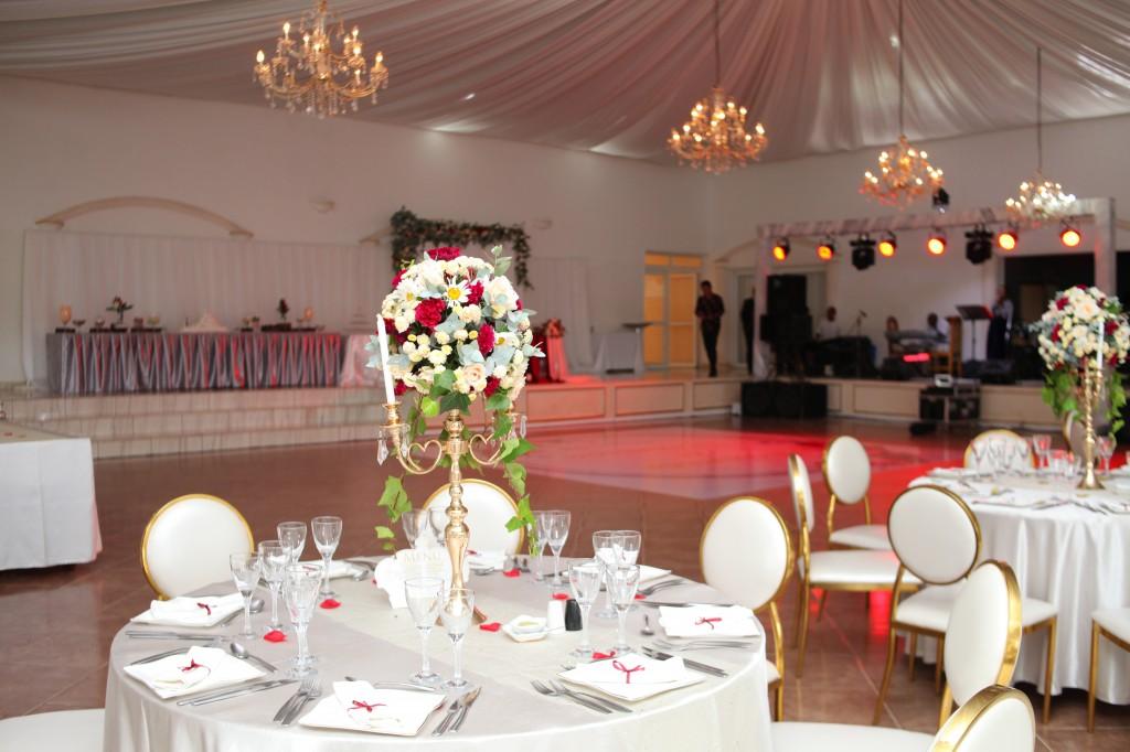 Mariage-espace-colonnades-Miarana-Mitantsoa-décorations-salle-reception (10)