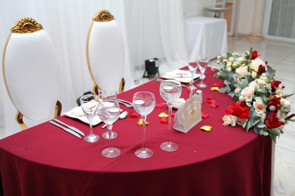 Mariage-espace-colonnades-Miarana-Mitantsoa-décorations-salle-reception (3)