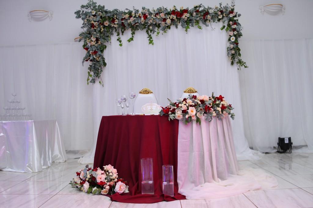 Mariage-espace-colonnades-Miarana-Mitantsoa-décorations-salle-reception (4)