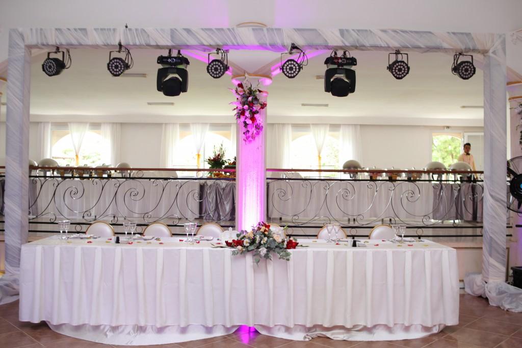 Mariage-espace-colonnades-Miarana-Mitantsoa-décorations-salle-reception (6)