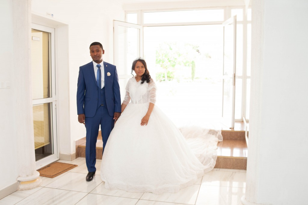 Tapis-rouge-entrée-salle-mariage-espace-Colonnades-Antananarivo-Niavo & Fepy (7)
