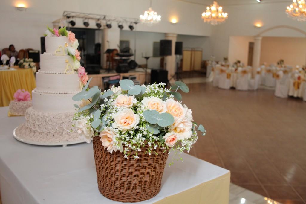 Décoration-mariage-mixte-américano-malgache-Carl-Zo-espace-colonnades (2)