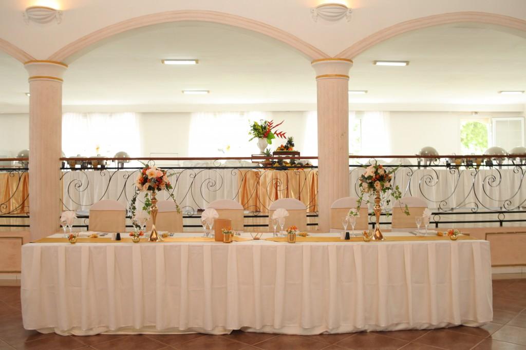 Décoration-mariage-mixte-américano-malgache-Carl-Zo-espace-colonnades (6)