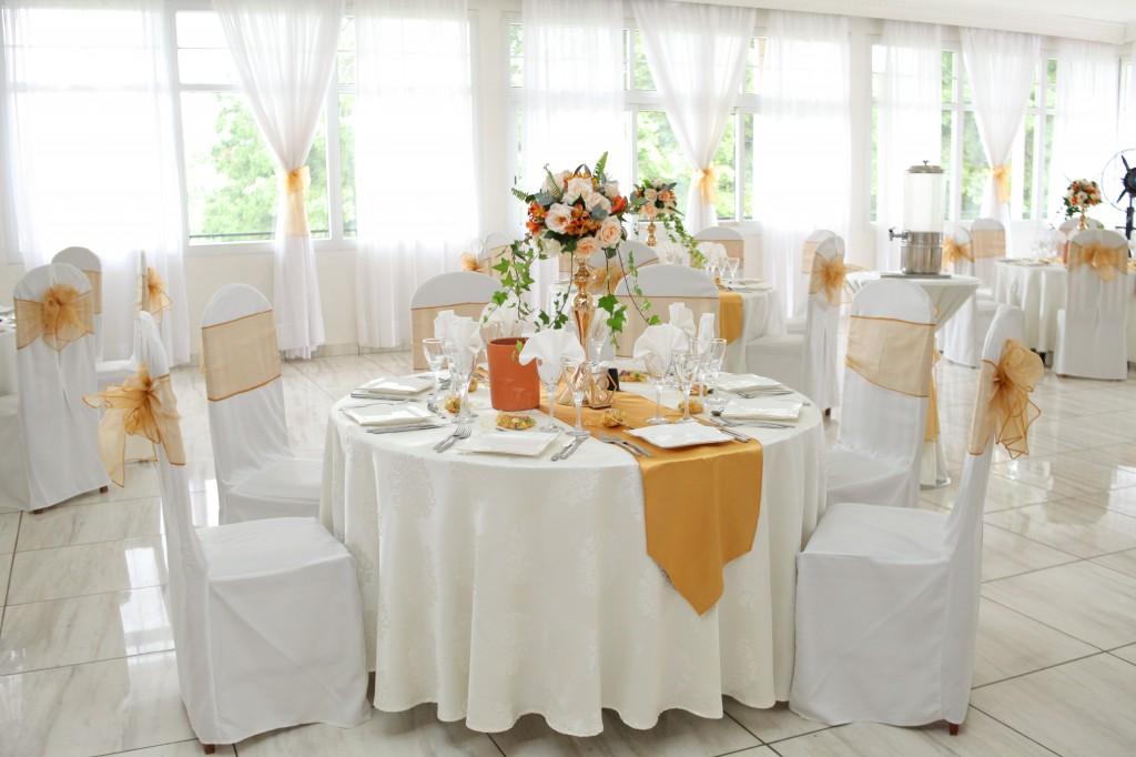 Décoration-mariage-mixte-américano-malgache-Carl-Zo-espace-colonnades (8)