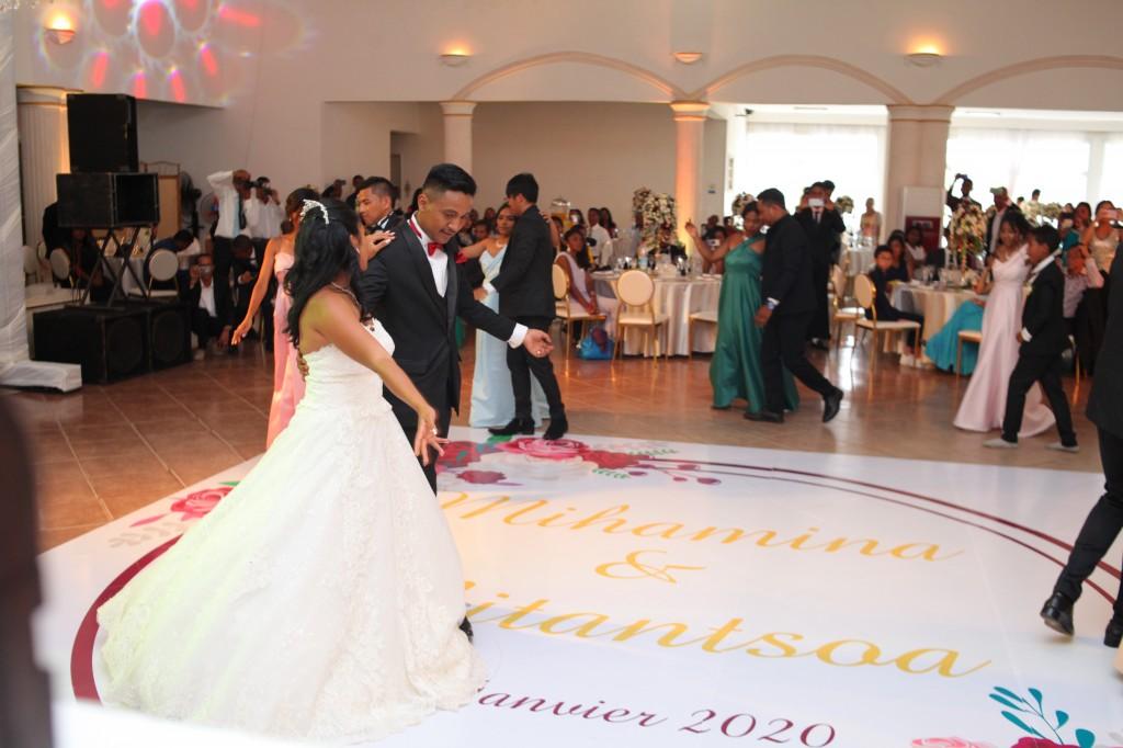 Mariage-espace-colonnades-Miarana-Mitantsoa-marche-nuptiale-ambiance-salle-de-reception (5)