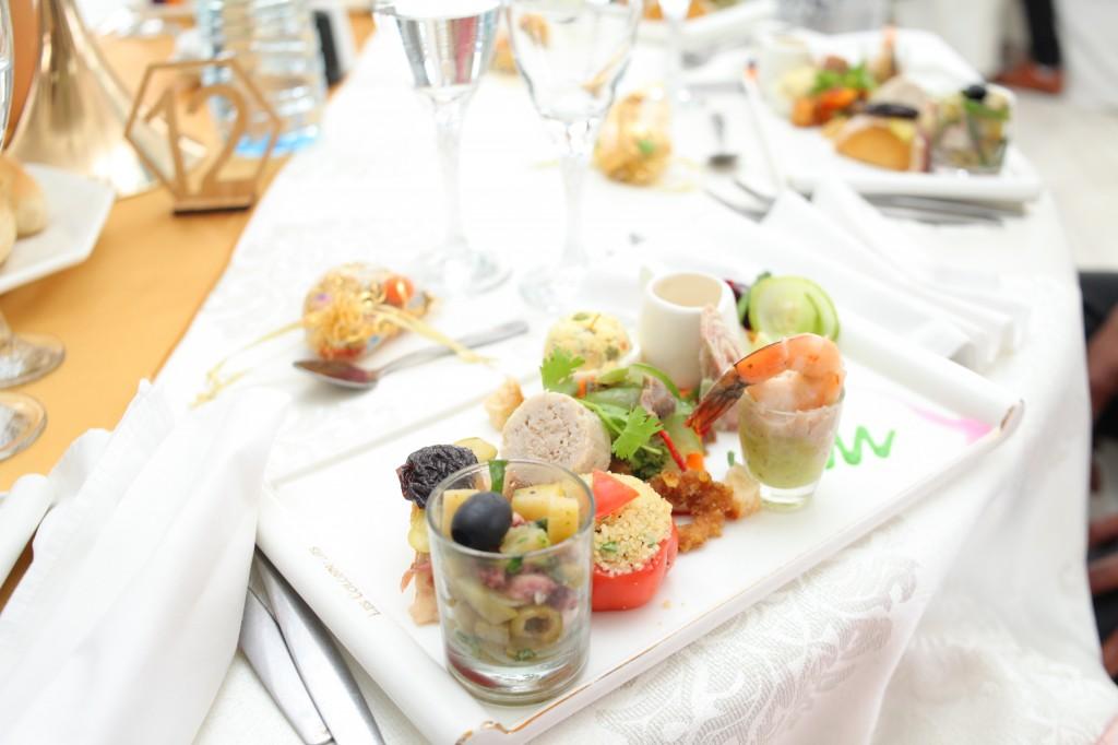 grand-buffet-mariage-mixte-américano-malgache-Carl-Zo-espace-colonnades (10)