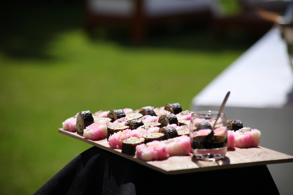 Cocktail-bienvenue-mariage-Toavina-Mbola-espace-Colonnades (5)