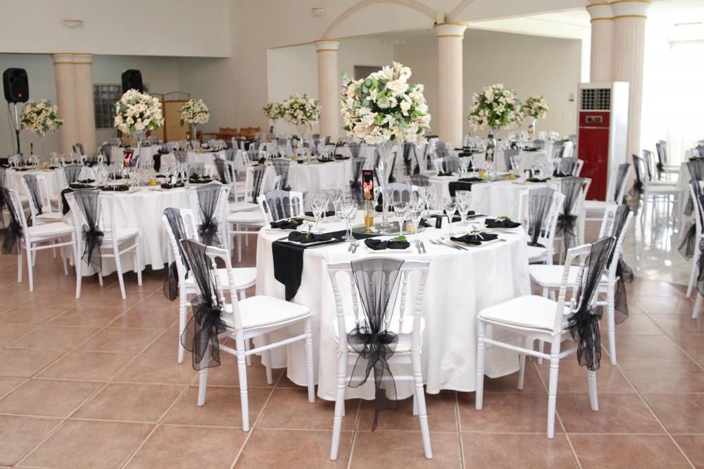 Décoration-salle-mariage-Toavina-Mbola-espace-Colonnades (3)