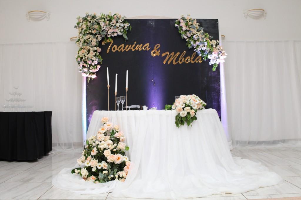 Décoration-salle-mariage-Toavina-Mbola-espace-Colonnades (5)