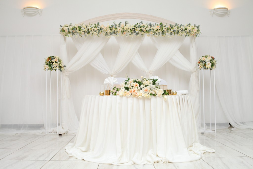 Décoration-salle-réception-Colonnades-mariage-Aina&Anja (4)