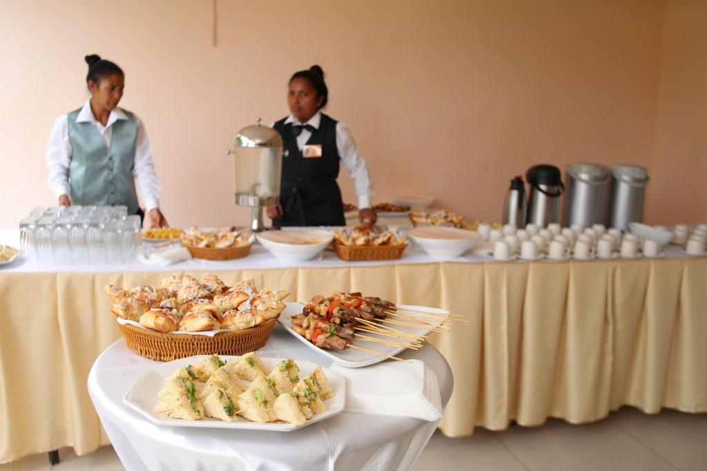Pause-café-vodiondry-petite-salle-Colonnades-mariage-Aina&Anja (2)
