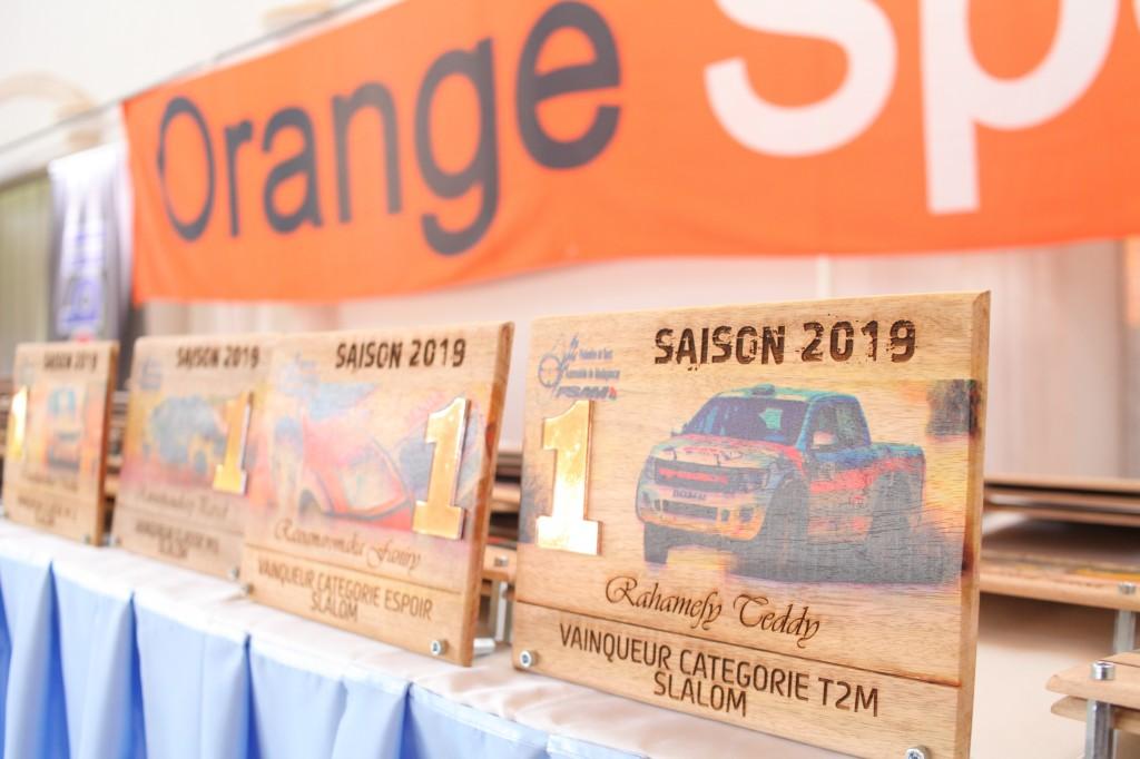 Remise de prix FSAM-Fédération-Sport-Automibile-2019-2020-salle-réception-Colonnades-Antananarivo-Madagascar (17)