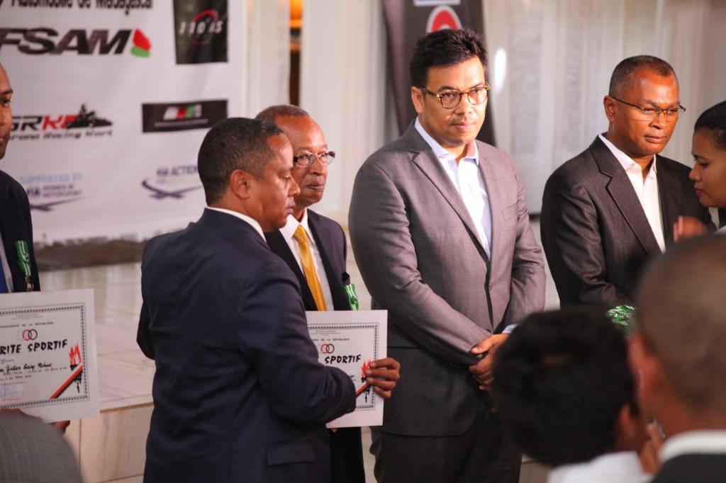 Remise de prix FSAM-Fédération-Sport-Automibile-2019-2020-salle-réception-Colonnades-Antananarivo-Madagascar (25)