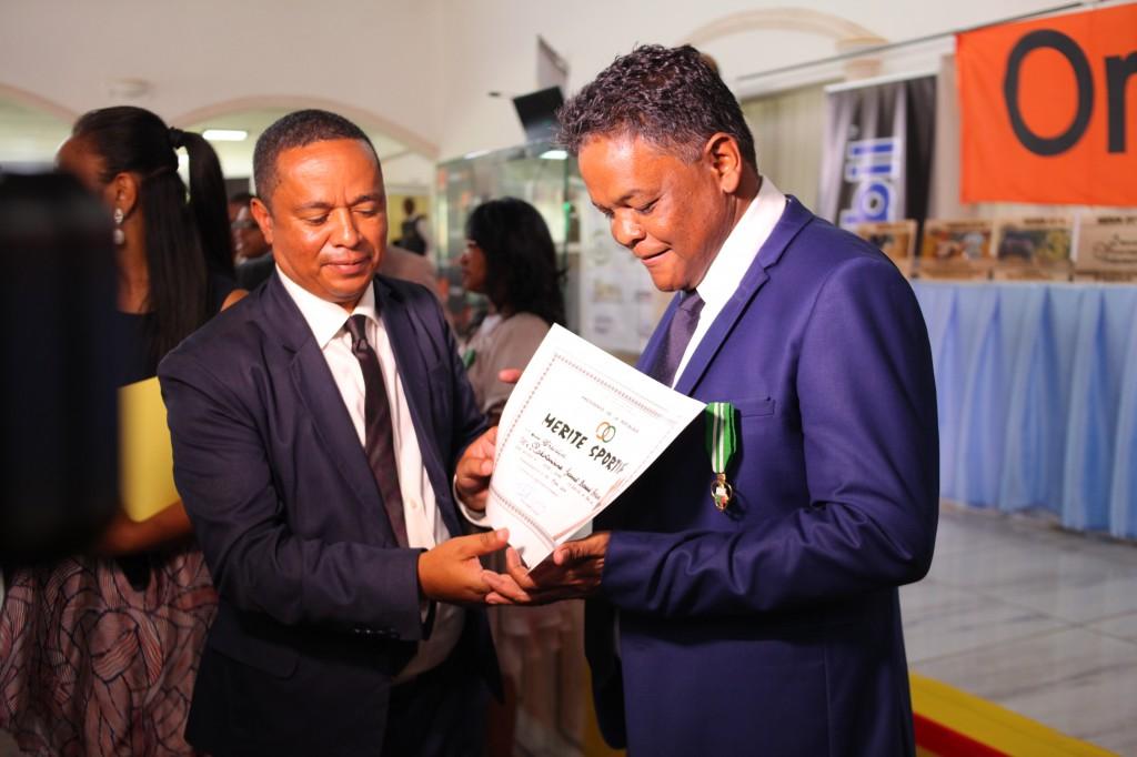 Remise de prix FSAM-Fédération-Sport-Automibile-2019-2020-salle-réception-Colonnades-Antananarivo-Madagascar (32)