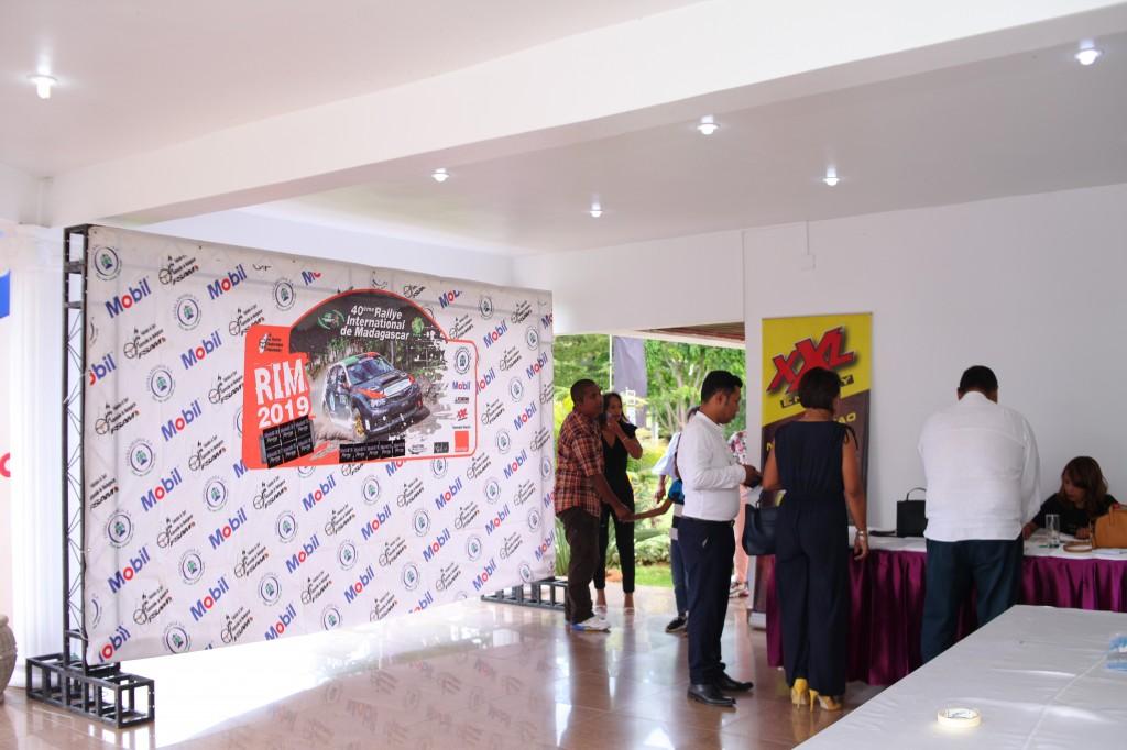 Remise de prix FSAM-Fédération-Sport-Automibile-2019-2020-salle-réception-Colonnades-Antananarivo-Madagascar (41)