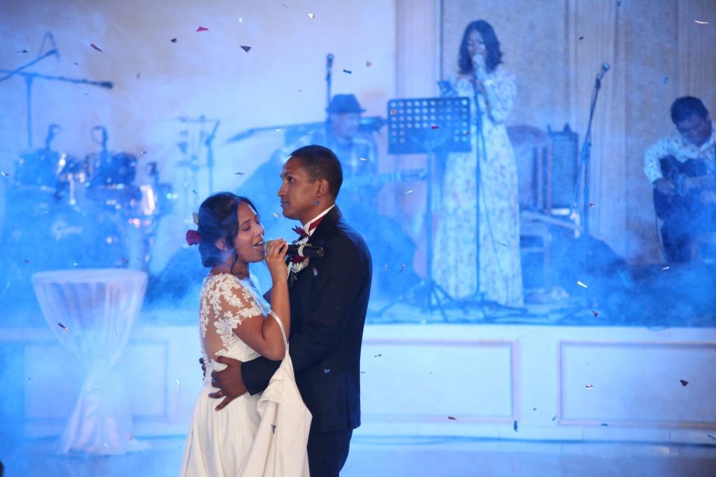 Ambiance-salle-mariage-Antananarivo-Colonnades-Tojo-Irina (12)