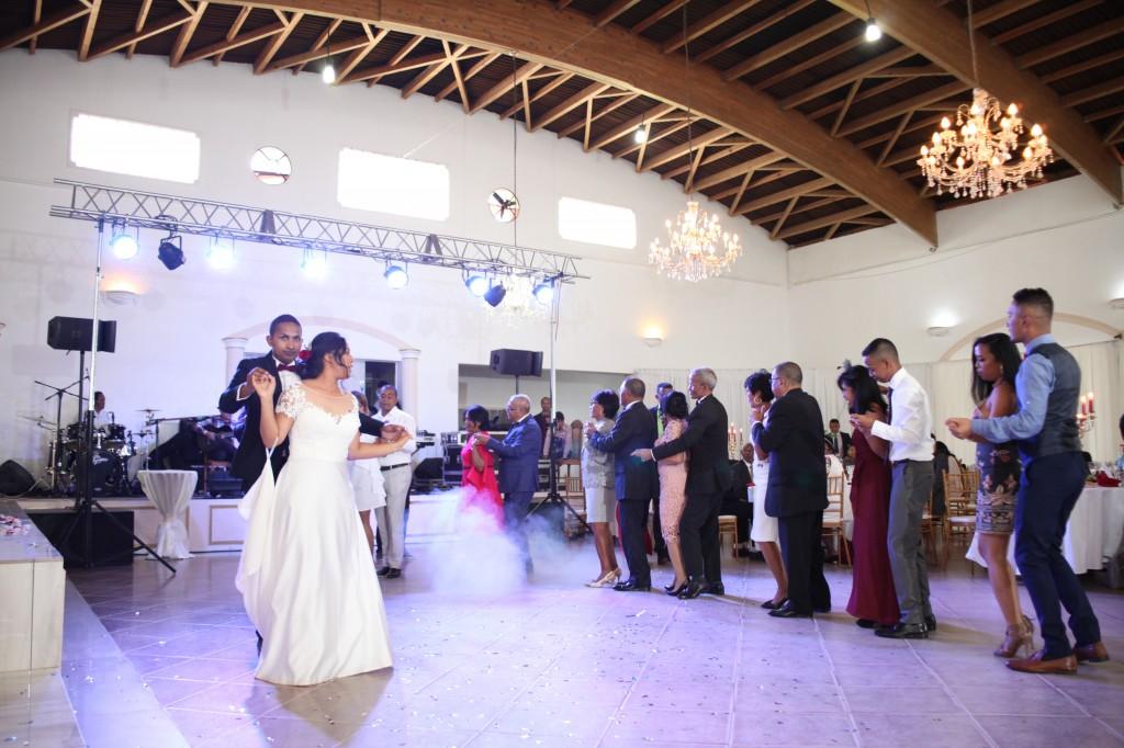 Ambiance-salle-mariage-Antananarivo-Colonnades-Tojo-Irina (15)