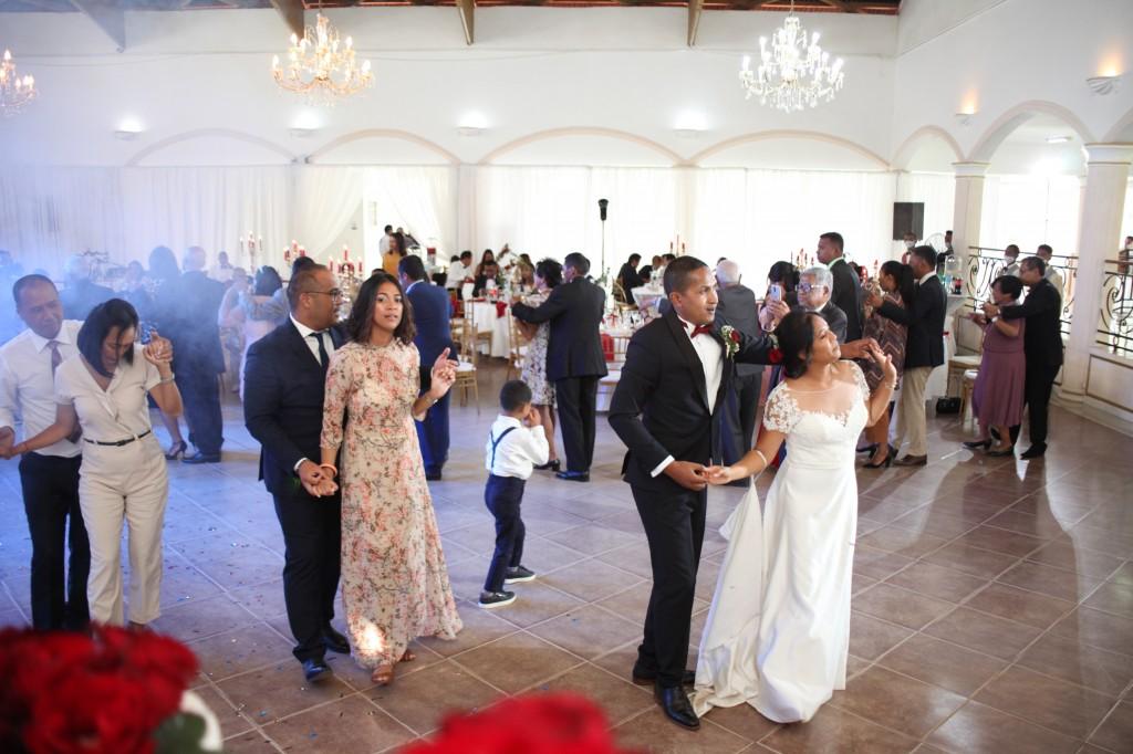 Ambiance-salle-mariage-Antananarivo-Colonnades-Tojo-Irina (16)