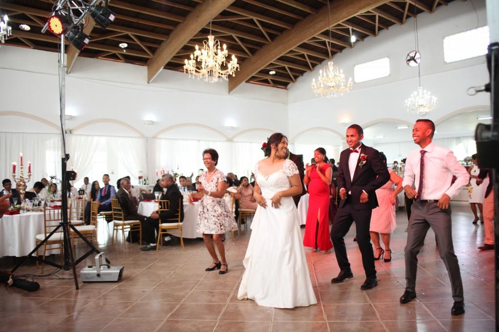 Ambiance-salle-mariage-Antananarivo-Colonnades-Tojo-Irina (17)