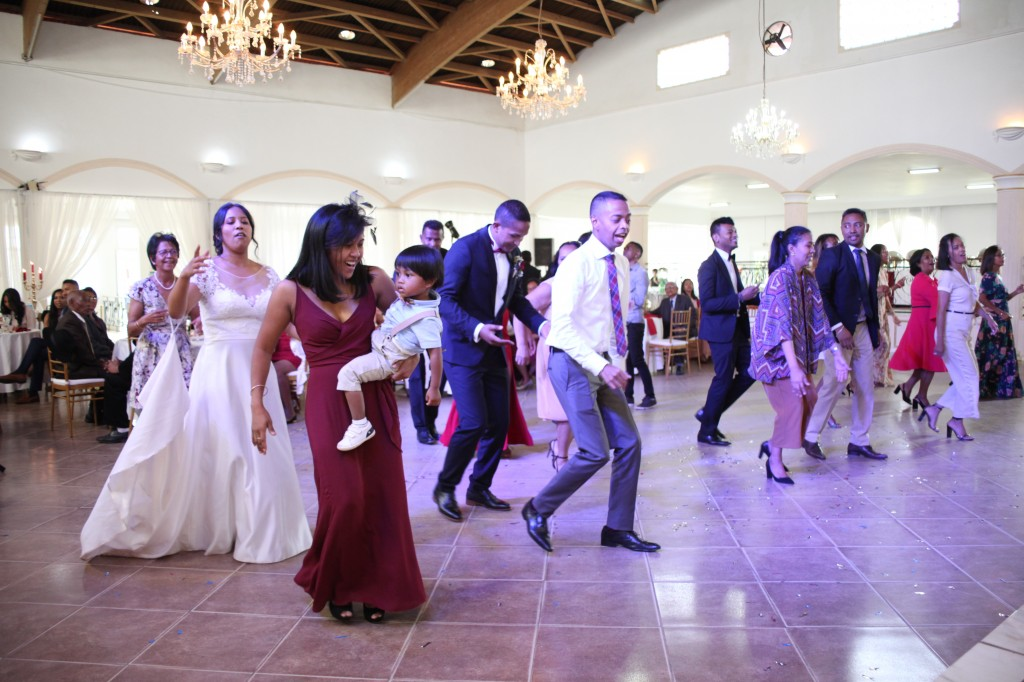Ambiance-salle-mariage-Antananarivo-Colonnades-Tojo-Irina (18)