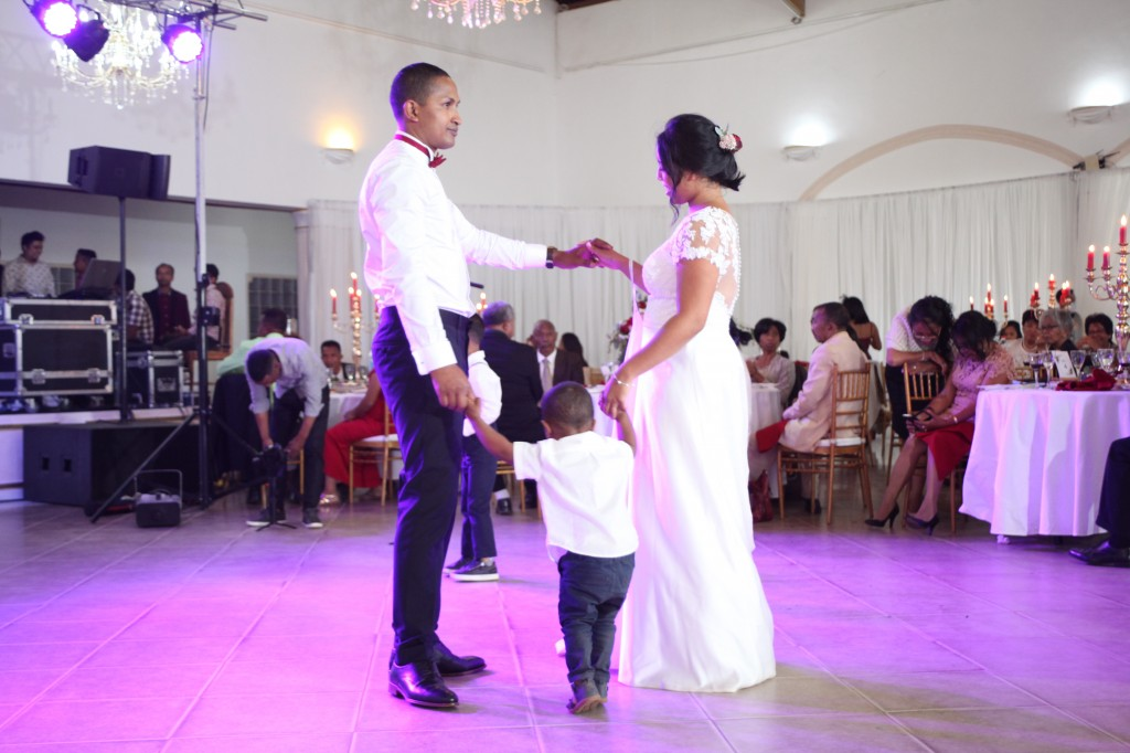 Ambiance-salle-mariage-Antananarivo-Colonnades-Tojo-Irina (19)